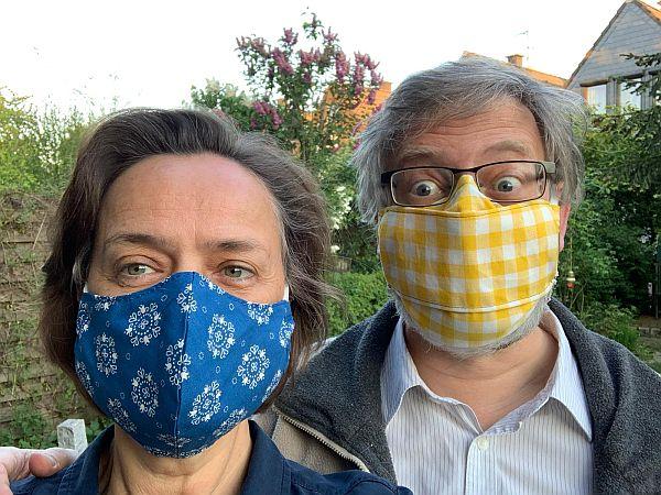 Ingeborg und Peter mit Maske
